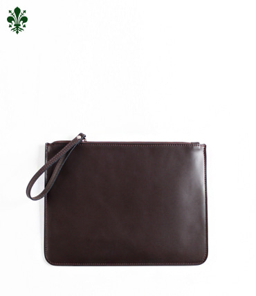 TOTUM . CLUTCH BAG (DARK BROWN)